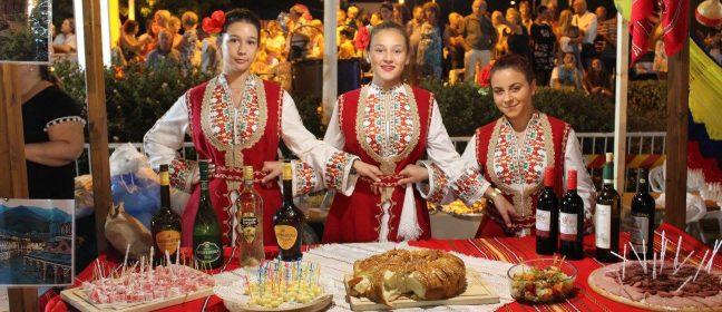 """Фестивал """"Вкусовете на света"""" в Паралимни"""