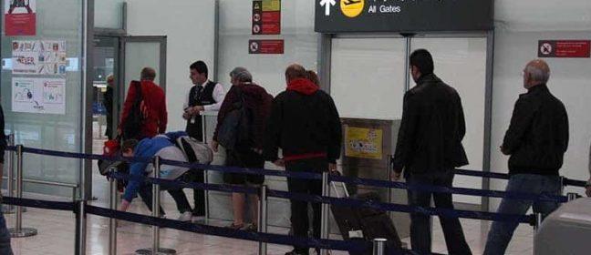 По-строги паспортни проверки на летищата