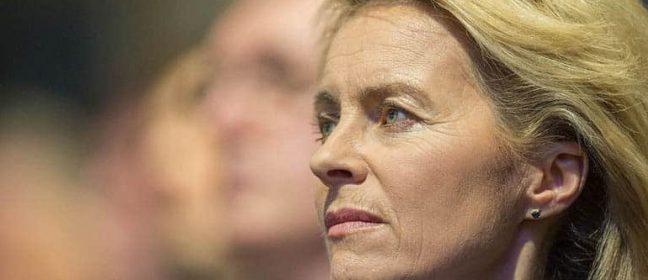 Германският министър на отбраната пристига в Кипър