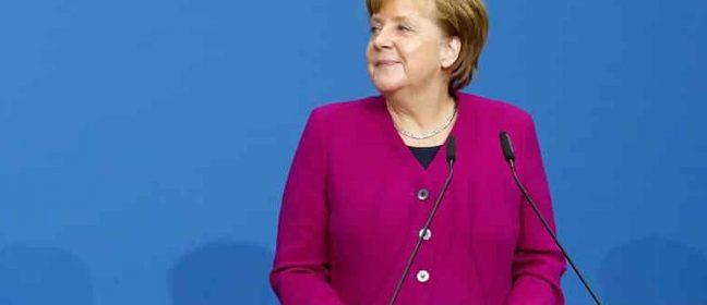 """""""Турция е основната причина да няма обединен Кипър"""", отсече Меркел"""