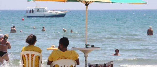 Времето в Кипър: Жега и прах