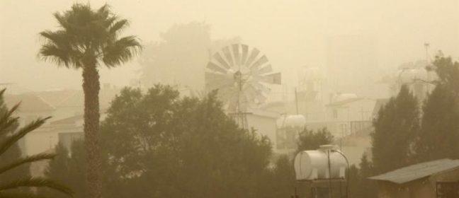 Жега и прах в Кипър