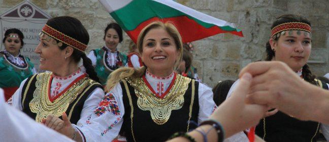 """Флашмоб """"Розите на България"""" и в Кипър"""