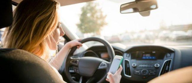 Полицията започва кампания за безопасност при използването на телефона по време на шофиране