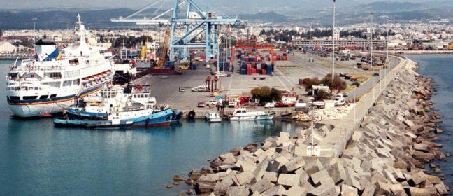 Фериботната връзка между Кипър и Гърция до следващото лято, казаха депутатите
