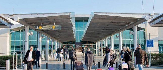 Тревога на летище Ларнака, пътник със съмнения за коронавирус