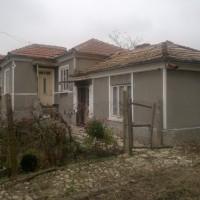 Къща в село Едноетажна 102 кв.м РЗП 1910 кв.м двор.